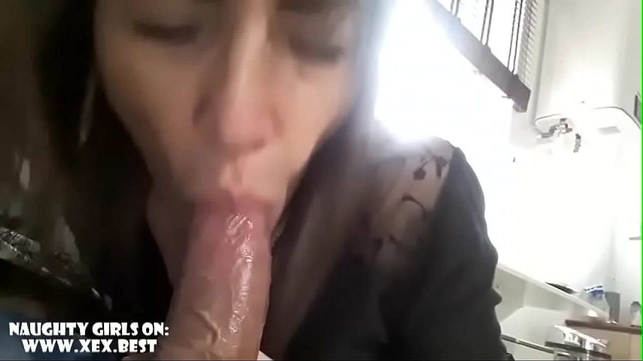 Amateur suck and swallow