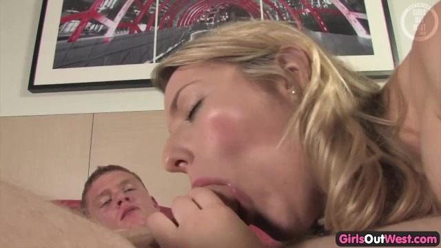 Young aussi blonde pussy pics